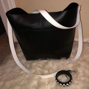 Handbags - Tote/Purse